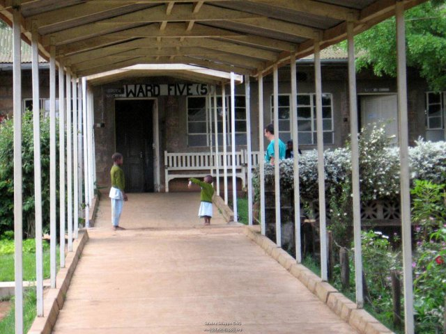 phoca_thumb_l_il consolata hospital 5