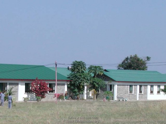 phoca_thumb_l_ospedale di karungu reparto malattie infettive